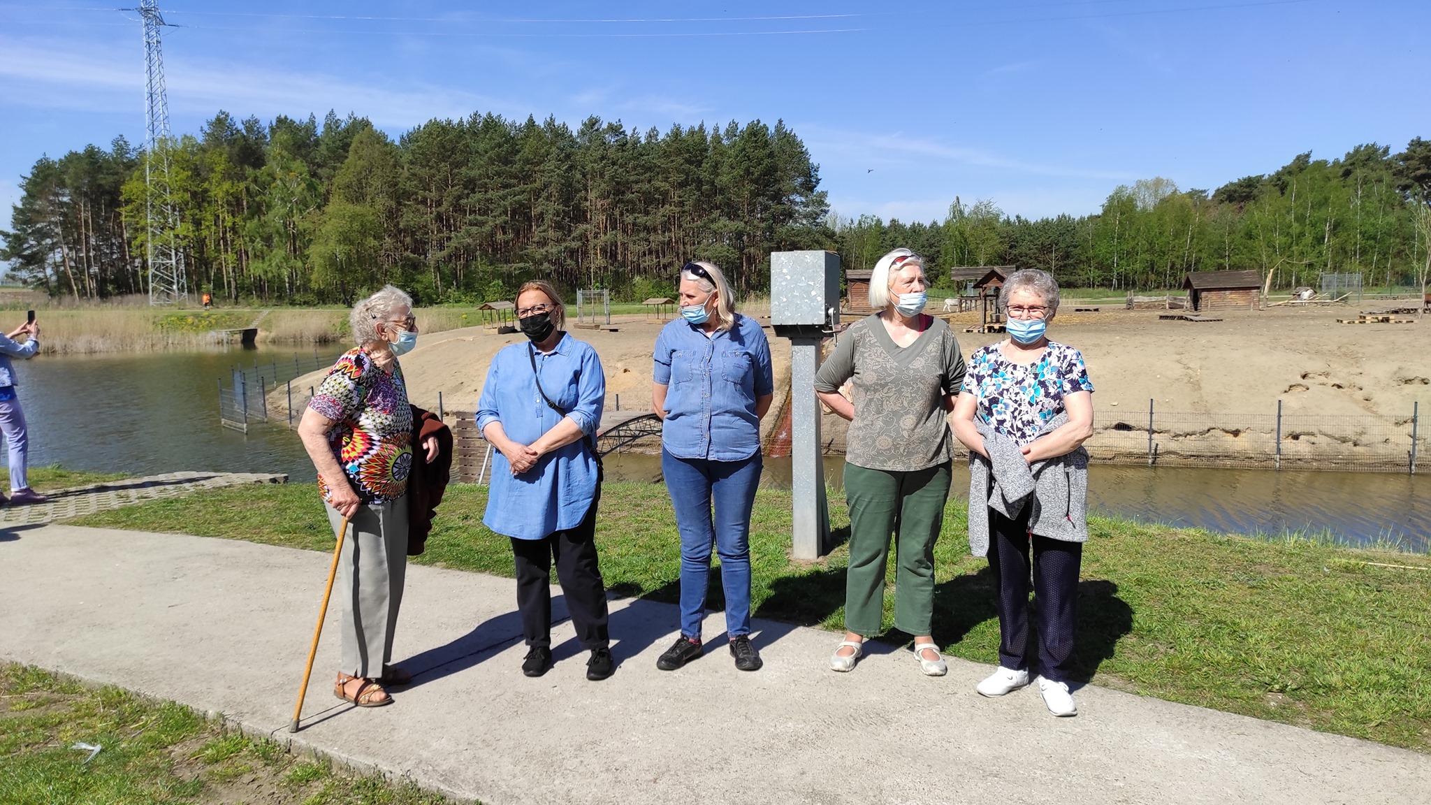Ilustracja do informacji: Pobyt Seniorów nad Jeziorkiem Koźlarskim w Chlastawie